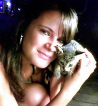 Monika Sanchez Guapa al instante