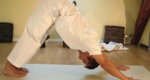 Hacer yoga en casa para adelgazar