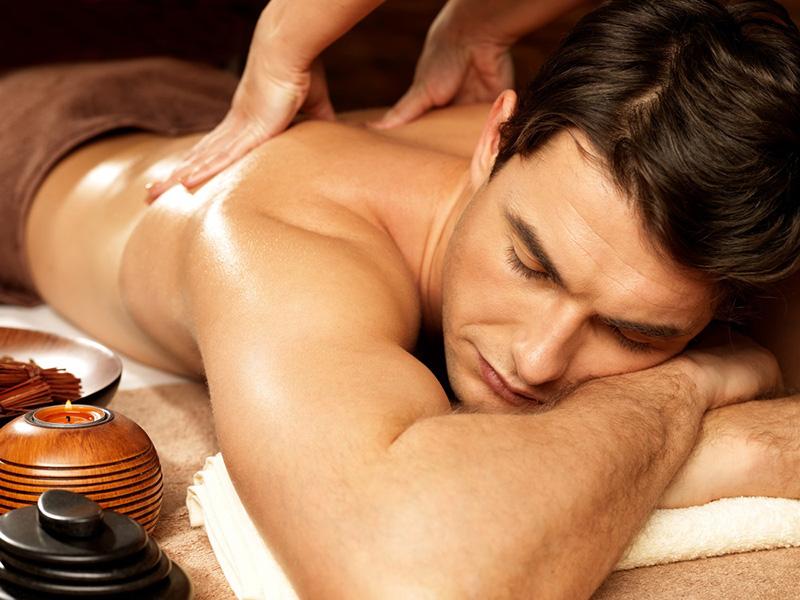 Pareja masaje sexo